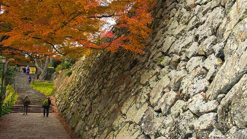 勝尾寺の石垣